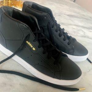 Adidas Sleek Mid Women's Sneakers in Black Gold